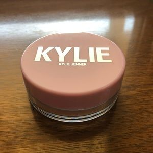 Authentic Kylie Cosmetics setting powder in Beige